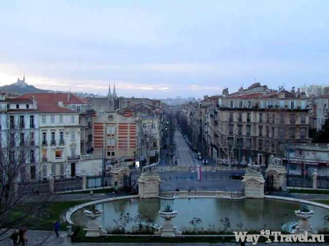 Марсель со ступеней Дворца Лоншан (Marseille view from the steps of the Palais Longchamp)