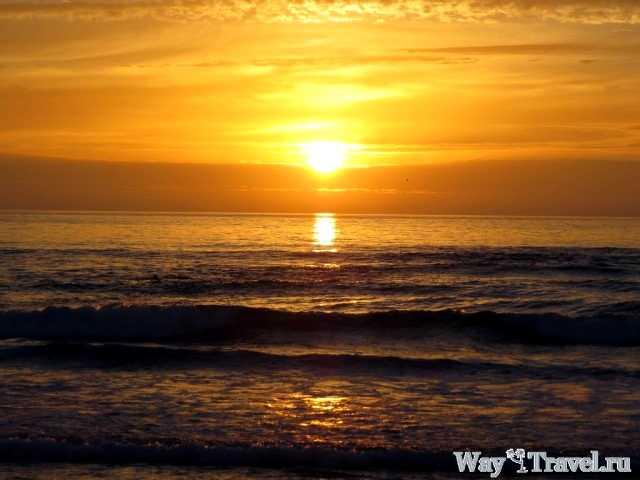 Закат солнца у пляжа Эшпиньо (Sunset near Espinho beach)