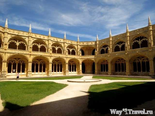 Внутри Монастыря Жеронимуш (Inside Jeronimos Monastery)