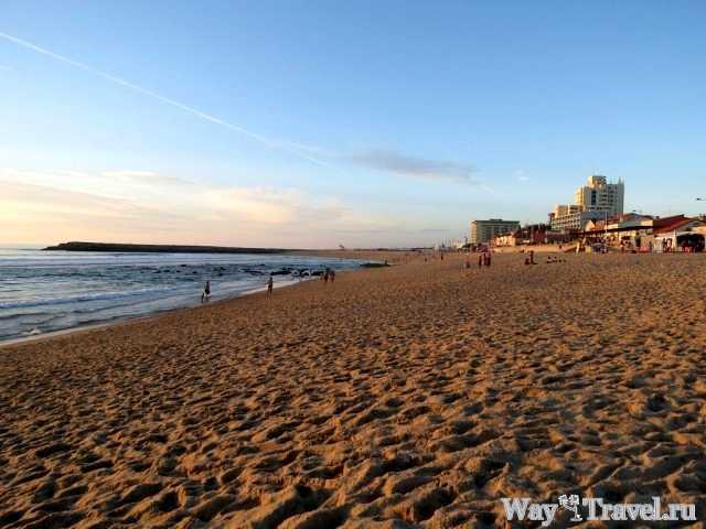 Пляж города Эшпиньо (Espinho beach)