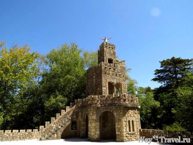 Парк в Кинта да Регалейра (Quinta da Regaleira park)