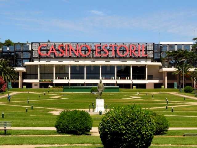 Казино Эштроила (Estoril Casino)