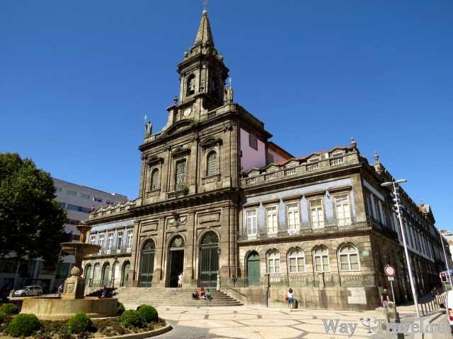 Церковь Святой Троицы в Порту (Igreja da Trindade)
