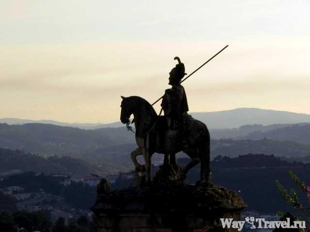 Афонсо Энрикеш смотрит на Брагу (Afonso Henriques looks at Braga)