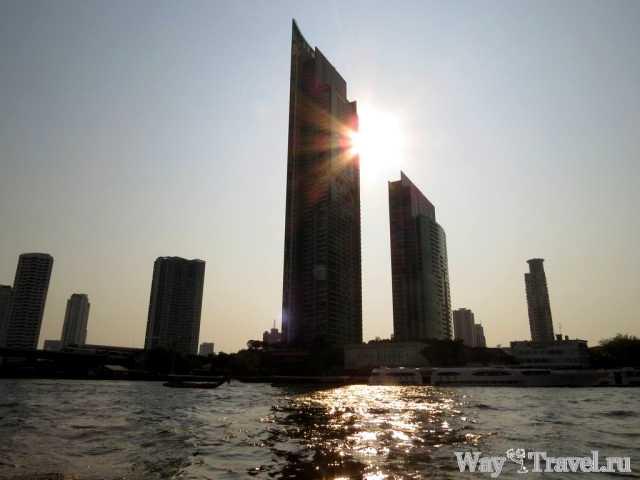 Небоскребы вдоль реки Чао Прая (Skyscrapers along the river Chao Phraya)