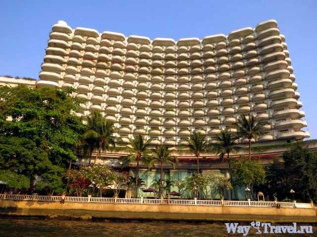 Гостиница вдоль реки Чао Прая (Hotel along the river Chao Phraya)