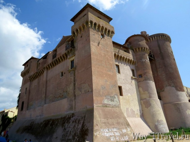 Замок Санта Севера (Castello di Santa Severa)