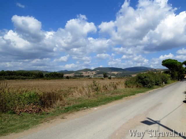 Cанта Севера - дорога к Замку и пляжу (Santa Severa - road to Castello and beach)