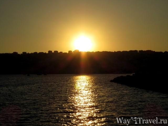 Закат солнца в Неаполе (Sunset in Napoli)