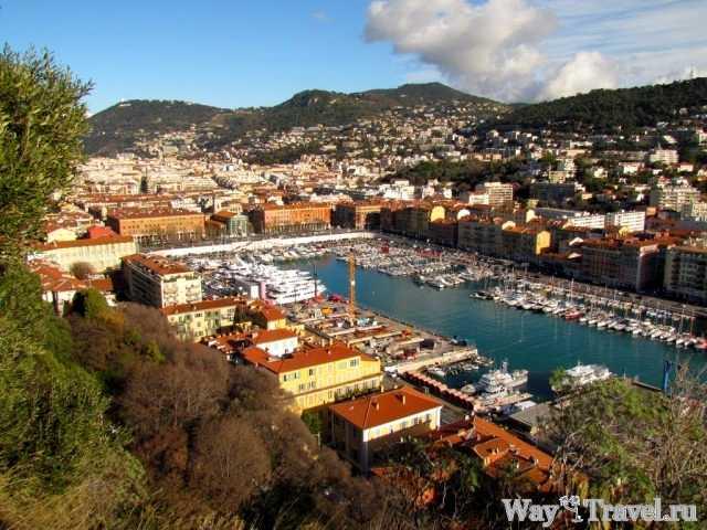 Вид с Замкового холма Шато на восточную часть Ниццы (La Colline du Сhateau view of the eastern part of Nice)