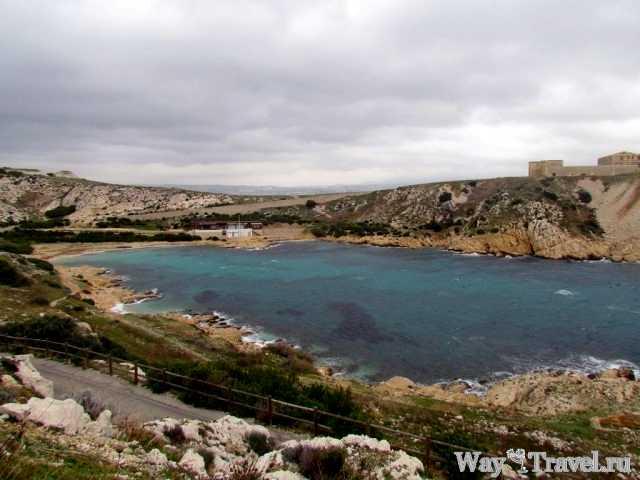 Один из пляжей острова Фриоль (One of the beaches of Frioul Island)