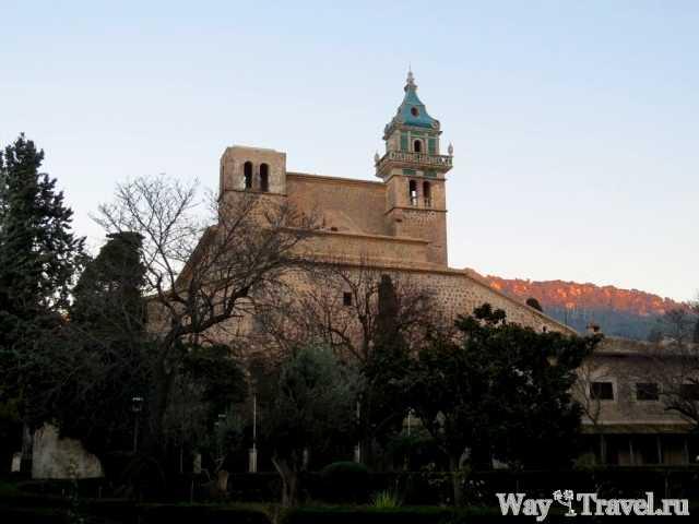 Картезианский монастырь в Вальдемосе (Cartuja de Valldemosa)