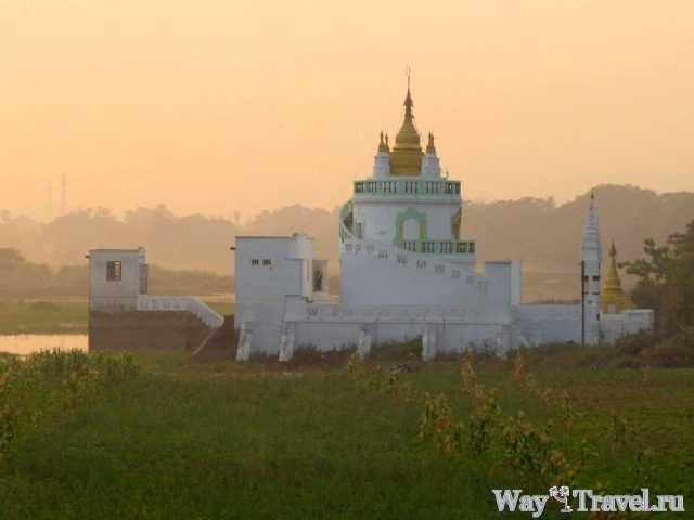 Храм Kyauktawgyi (Kyauktawgyi Temple)