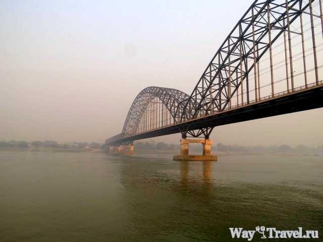 Мост над рекой Иравади (Bridge over the Irrawaddy river)