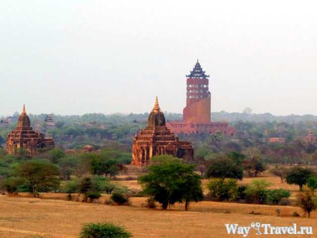Гостиница в виде водонапорной башни в Багане(The hotel is like a water tower Bagan)