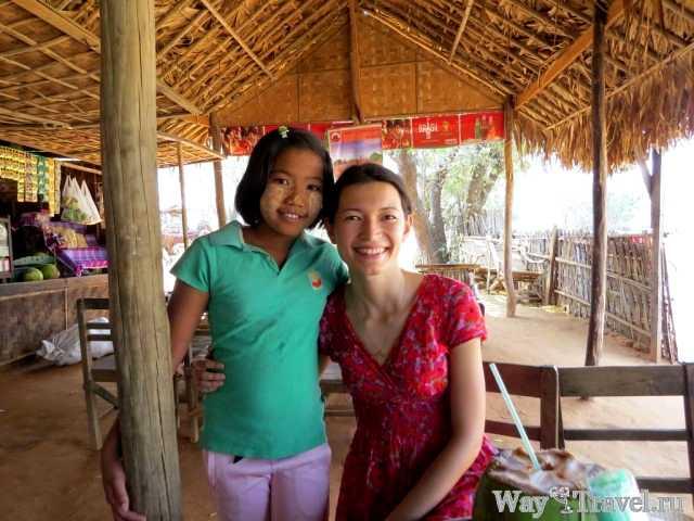 Местная школьница (Myanmar local schoolgirl)