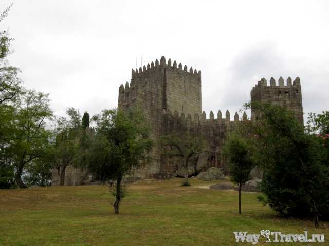 Замок Гимарайнша (Castelo de Guimaraes)