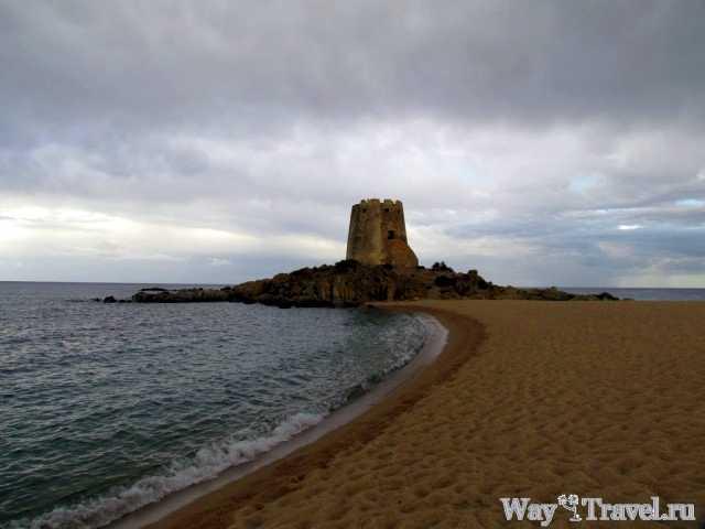 Пляж Торре де Бари (Torre di Bari beach)