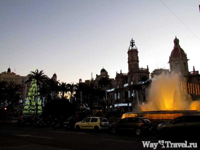 Новый год в Валенсии (Plaza del Ayuntamiento)