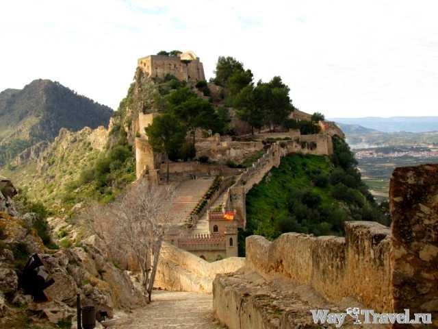 Хатива - вид на Малую крепость (Xativa - fortress)