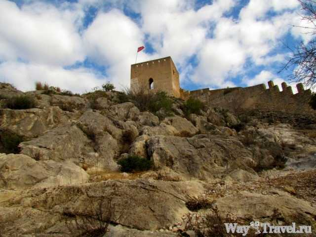 Хатива - одна из старейших испанских крепостей рядом с Валенсией (Xativa - fortress)