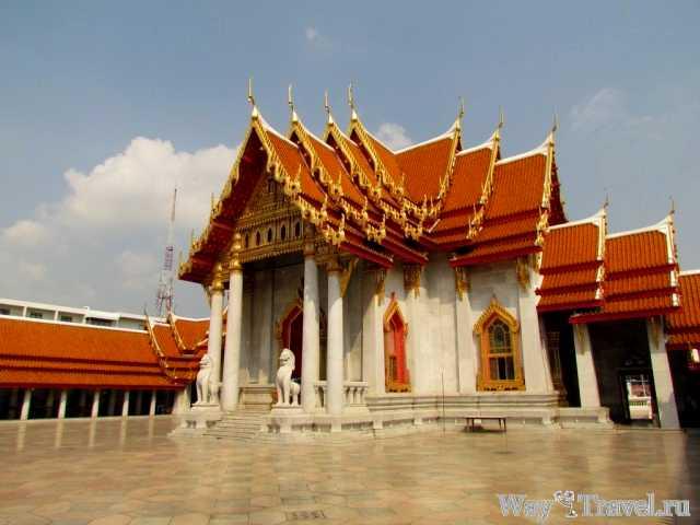 Мраморный храм (Wat Benchamabophit)