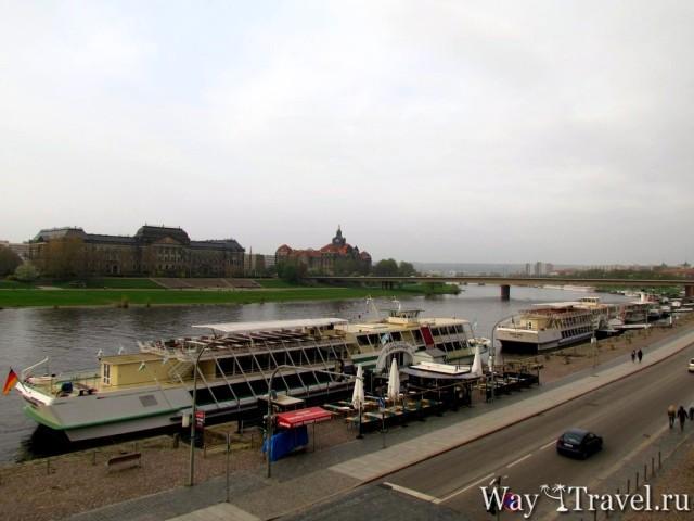 Дрезден - столица Саксонии на берегу Эльбы (Elbe river)