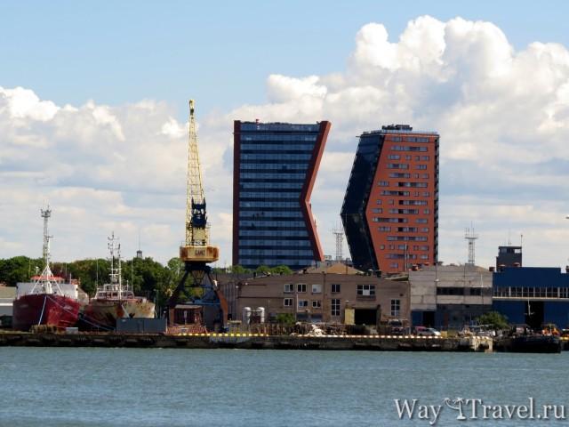 Клайпеда: здание в форме буквы К и D (Klaipeda: K and D buildings)