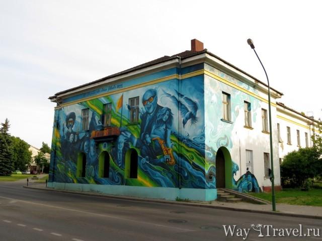 Графити на стенах домов в Клайпеде (Graffiti on the house)
