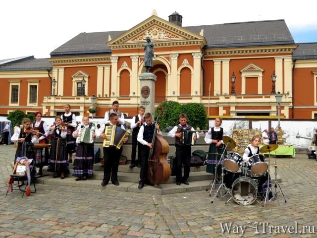 Театральная площадь Клайпеды (Klaipeda Theatre Square)