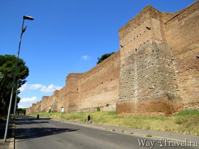 Пешеходные прогулки по Риму. Cтены Аврелиана (Mure Aureliane)