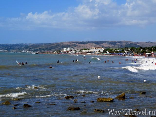 Общественный пляж Санты Северы (Santa Severa beach)