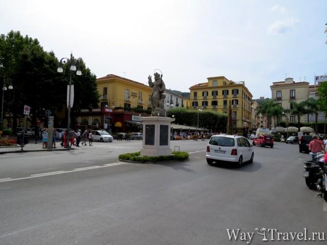 Площадь Тассо (Piazza di Tasso)